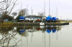 Łódź, zima, dok, magazyn, łódź, kotwica, stojak Zdjęcie Royalty Free