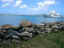 łódka Maarten & bezpiecznej przystani & st obraz royalty free