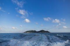 Łódkowaty biały kilwater obraz royalty free