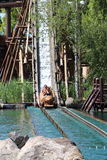 Łódkowaty iść w dół przy Menhir Ekspresowym przyciąganiem przy Parkowym Asterix, ile de france, Francja Zdjęcia Royalty Free