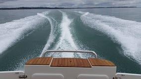 Łódkowaty kilwater obrazy stock