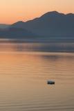 łódkowaty osamotniony denny wschód słońca Zdjęcia Royalty Free