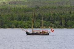 łódkowaty pływać statkiem Obrazy Royalty Free