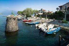 Łódkowaty schronienie na Isola Bella, Lago Maggiore, Włochy Zdjęcia Stock