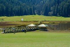 Łąki w Khajjiar zdjęcie stock