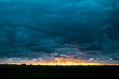 Łąkowa zmierzchu krajobrazu scena, Urugwaj Fotografia Stock