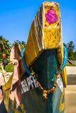 Łęk łódź na brzeg Zdjęcie Royalty Free