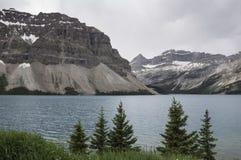 Łęk jezioro z ciężkimi chmurami Obraz Stock