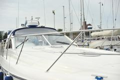 Łęk kontrolna kabina i jacht fotografia royalty free
