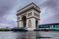 łękowatego miasta dzień krajobrazu Paris pogodny triumfalny De Triomphe łuk Widok miejsce Charles De Gaulle Fotografia Stock