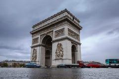 łękowatego miasta dzień krajobrazu Paris pogodny triumfalny De Triomphe łuk Widok miejsce Charles De Gaulle Zdjęcia Royalty Free