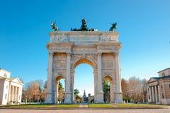 łękowaty bramy Milan pokoju sempione Zdjęcie Stock