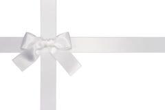 łęku biel przecinający tasiemkowy Fotografia Royalty Free