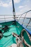 łęku deskowy łódkowaty jacht Obrazy Stock
