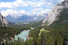 łęku kanadyjskiej rzeki Rockies widok fotografia stock
