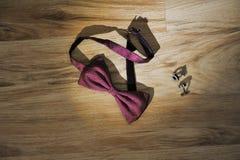 Łęku mankiecika i krawata połączenia Obrazy Stock