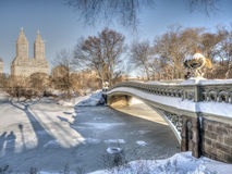 Łęku most po śniegu Zdjęcia Stock