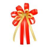 łęku prezenta czerwieni atłas wstęga pojedynczy białe tło Obraz Stock