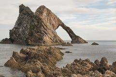 Łęku skrzypki skała przy niskim przypływem Zdjęcie Stock