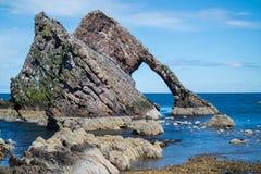 Łęku skrzypki skała przy Portknockie Obraz Royalty Free