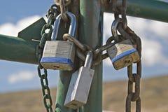 łańcuchów bram kłódki Fotografia Royalty Free