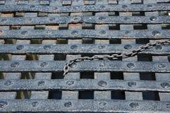 Łańcuch na metal kratownicie Obrazy Stock