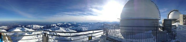 Łańcuch Pyreneans zakrywający z śniegiem zdjęcie stock