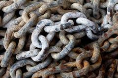 Łańcuch z dużymi szaklami Zdjęcia Royalty Free