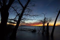 łańcuchu pokryw horyzontalnych Illinois jeziornych jezior lekka o pomarańczowa fotografii nieba zmierzchu powierzchnia usa Obraz Stock