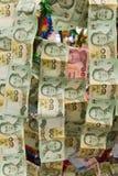 Łańcuchy Tajlandzki Papierowy pieniądze Wieszali oferować na dobre szczęście Zdjęcia Stock