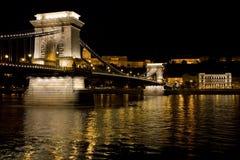 łańcuszkowa Budapest bridżowa noc Zdjęcie Stock