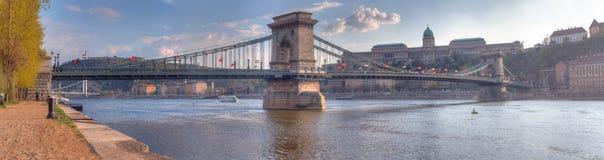 łańcuszkowy Budapest bridżowy szechenyi obrazy stock