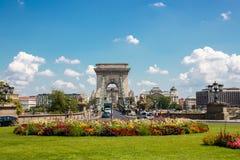Łańcuszkowy most Budapest, Pogodny Europejski miasto zdjęcie stock