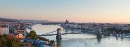 Łańcuszkowy most w Budapest w ranku Obraz Stock