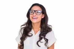 Ładna brunetka w modnisiów szkłach Obrazy Royalty Free