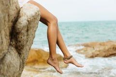 Ładna dama w lato stroju na plaży Obrazy Royalty Free