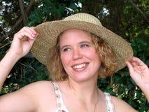Ładna dziewczyna w Słomianym kapeluszu Obrazy Royalty Free