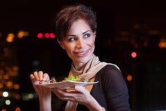 Ładna kobieta ma gościa restauracji Obraz Stock