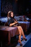 Ładna kobieta w klubie nocnym Zdjęcie Stock