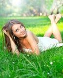 Ładna młoda dziewczyna fotografia royalty free