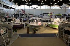 Ładne łodzie dla sprzedaży przy Łódkowatym expo Fotografia Stock