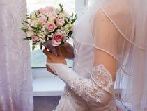 Ładne różowe róże w bridal bukiecie Zdjęcie Royalty Free