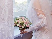 Ładne różowe róże w bridal bukiecie Zdjęcia Royalty Free