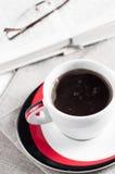 Ładnego dzień z książki i filiżanki coffe Zdjęcie Stock
