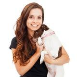 Ładnego kobiety mienia Nieśmiały Mały pies obrazy stock