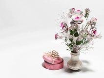 Ładni kwiaty w wazie royalty ilustracja