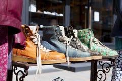 Ładni nowi ciepli butów buty dla jesieni i zimy zdjęcie stock
