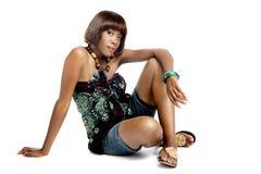 Ładny afrykanina model, Ubierający w Przypadkowy Nowożytny Tradycyjnym Odziewa Obraz Stock