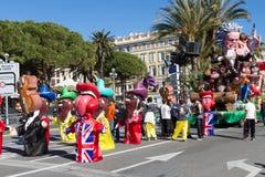ŁADNY, FRANCJA, LUTY - 22: Karnawał Ładny w Francuskim Riviera Temat dla 2015 był królewiątkiem muzyka Ładny, Francja, Feb - 22,  Obraz Stock