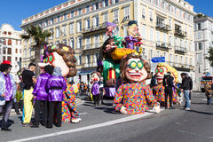 ŁADNY, FRANCJA, LUTY - 22: Karnawał Ładny w Francuskim Riviera Temat dla 2015 był królewiątkiem muzyka Ładny, Francja, Feb - 22,  Obrazy Stock